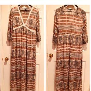 Bohemian vibe maxi dress with v neck